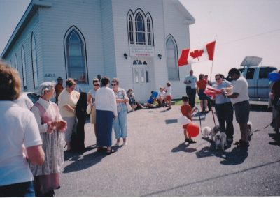 Tor Bay Acadien Society - getting-ready-for-the-parade-of-families-Aug-2004